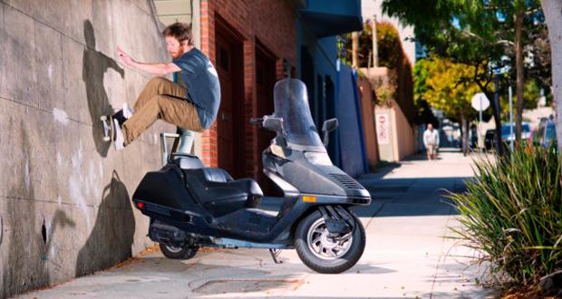 Una-full-part-saltando-motos---Ben-Gore-en-Bright-Moments